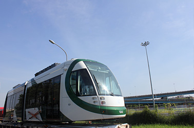 LRT train is transported from Taichung Harbor to the southern depot of the Kaohsiung MRT system